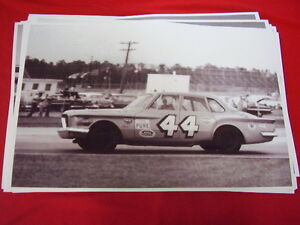 1961 1962 Plymouth Valiant 44 Richard Petty Big 11 X 17 Photo Picture
