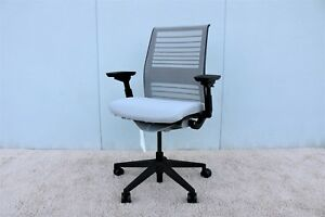 Steelcase Think Executive Ergonomic Adjustable Chair In 3d Knit Back brand New