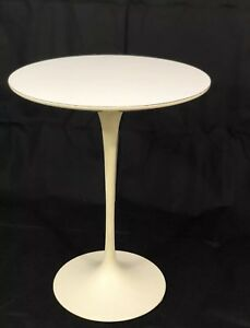 Knoll Tulip Base Side Round Table Mid Century Modern Antique White 16 Mint