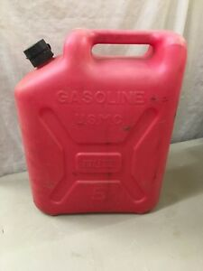 Nice Vintage Gas Can Blitz Plastic 5 Gallon Jerry Can Pull Out Spout Usmc Vented