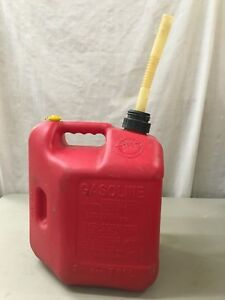 Nice Vintage Gas Can Blitz Plastic 2 Gallon 8 Ounce Pull Out Spout Vented