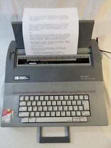 Smith Corona Electric Typewriter Sl 580 With Keyboard Cover W Dictionary Works