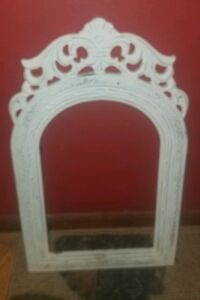Charming Vintage White Wooden Shabby Cottage Cathedral Arched Picture Frame