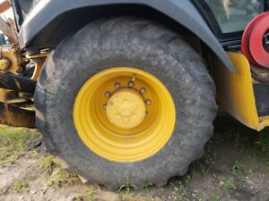 John Deere 310sk Backhoe 19 5l 24 Firestone Tire On 10 bolt Steel Rim Right