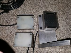 Lot Of 3 August Technology Red Led Panel Ultra Light Pl22b 00aa
