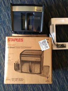 Staples Mailmate M7 12 sheet Cross cut Paper Shredder Black Bnib Free Shipping