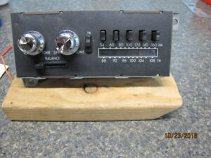 Vintage Mopar Am Fm Deluxe Push Button Radio Original Nice Condition