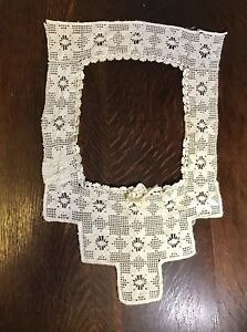 Antique Handmade Lace Collar Geometric Flowers White Cotton