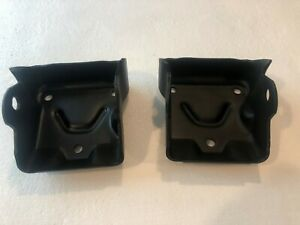 Small Block Chevy V8 Motor Mount Brackets 334971 Clam Shell 305 327 350 400 Sbc