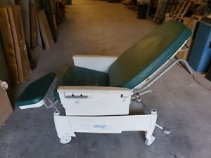 Hill rom P1320 Procedural Recliner Exam Chair Medical Hospital Furniture