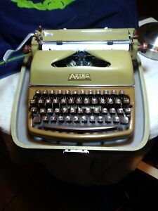 Beautiful Vintage 1960s Aztec Typewriter 600 Rare Olive Green And Brown Works