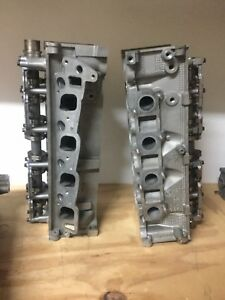 Ford 4 6 Cylinder Heads Pair rf1l2e 6090