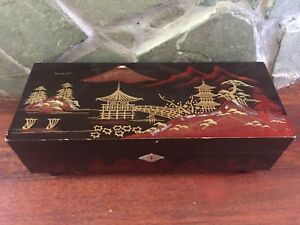 Large Vintage Japanese Mid Century Lacquered Wood Shell Inlay Jewelry Music Box