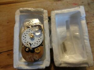 New Diebold yale Mechanical Right Hand Round Bottom time Lock White Dial