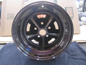 15 X 7 Boss Wheel 429 302 1969 Magnum 500 Date 09 18 69 Ford Stamp M439