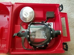 Scott Gas Mask With Case