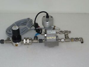 Swagelok Ss 4bk 1cm Bellows Valve With Varian 9699114 Flow Meter And Mp R55 2l30