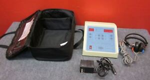 Ambco 1000 Audiometer Hearing Test Pitch tone Generator W Case headset tested