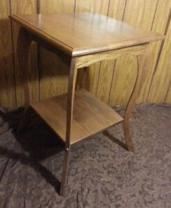 Vintage Antique Arts Crafts Oak Table Mission Style Plant Stand 20 X 20 X 27