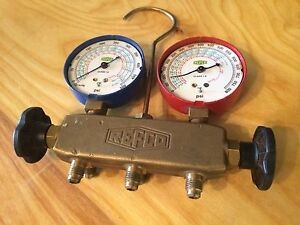 Refco Standard Two way Brass Manifold As Is