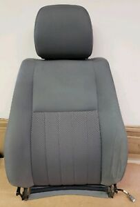 2005 Jeep Grand Cherokee Driverside Upper Seat Cushion No Heated Cloth