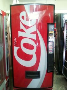 Coke Soda Vending Machine Dixie Narco Bubble Front 440 8 With Bill Acceptor