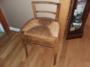 Antique Woven Seat Peg Assembled Vanity Stool Bench