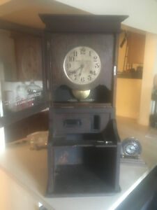 Antique Oak Cincinnati Time Recorder Company Clock That Works With Original Key