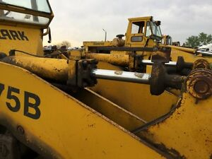Michigan 75 cm Wheel Loader Right Bucket Tilt Cylinder