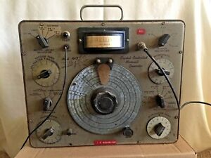 Vintage Hickok Model 191x Crystal Controlled Microvolt Signal Generator