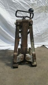 Fairmont H4905 Hydraulic Sign Post Puller