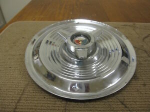 1963 64 Ford Galaxie 500 Xl 406 427 15 Spinner Hubcap Red White Blue Crest 2378