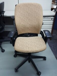 Steelcase Leap Chair V2