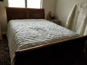 Sleight Bed Ethan Allen Queen Mahogany Wood Vintage Antique Original Condition