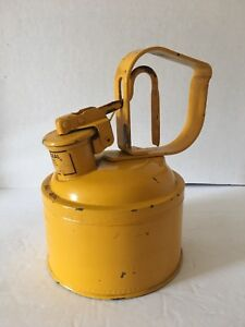 Vintage 1 Gallon Gas Can protectoseal W Hinged Cap Closure 50106 Yellow Rare