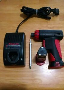 Snap On 1 4 Cordless Screwdriver Model Cts561cl Charger Extra Battery Clean