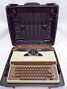 Mid century Royal Academy Portable Electric Typewriter W case Cleaned tested