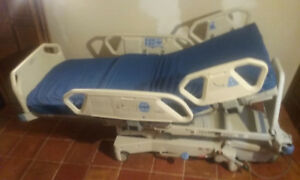 Hill rom Total Care P1900 Electric Hospital Bed 211363