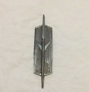 Vintage Gm Oldsmobile Car Emblem Metal 4482879 Ratrod Accessories