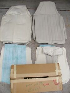 Nos 1970 72 Volkswagen Beetle Padded Front Seat Covers Off White Lt Grey Vw Bug