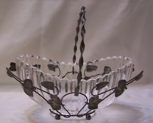 Vtg Eapg Ribbed Scalloped Brides Basket In Silverplate Holder Hiesey Bryce Bros
