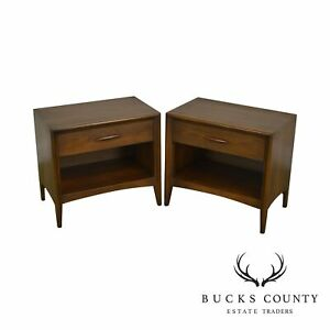 Broyhill Premier Mid Century Modern Pair Walnut One Drawer Nightstands