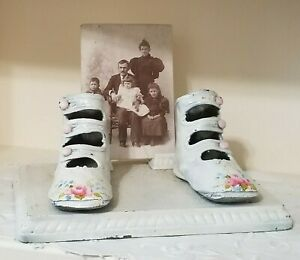 Enamel Shabby Floral Baby Shoes Picture Metal Cast Holder Stand Vintage