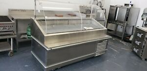 Traulsen 78 Curved Front Refrigerated Seafood Display Case On Casters Model