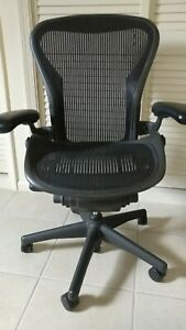 Herman Miller Aeron Office Chair Ae111awb Fully Adjustable Arms Mesh