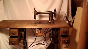 Antique 1887 Standard Sewing Machine With Coffin Top And Valuable Accessories