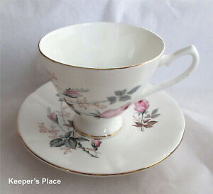 Vintage Royal Imperial China Tea Cup And Saucer Roses England