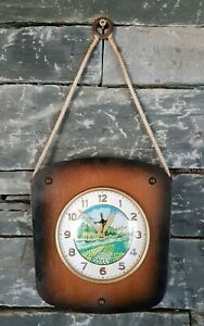 Vintage Retro Kitsch Manual Wind Up Wooden Rope Wall Clock Turning Windmill