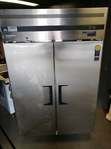 Everest Reach in Freezer Two section 47 33 Cu Ft Capacity sal14