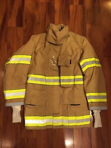 Firefighter Globe Turnout Bunker Coat 32x32 Gx 7 2005 Nwot No Cut Out